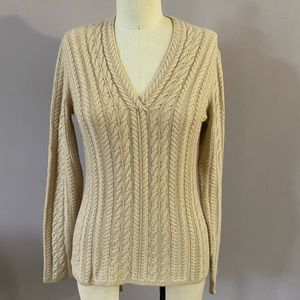 Neiman Marcus cashmere ribbed V neck sweater